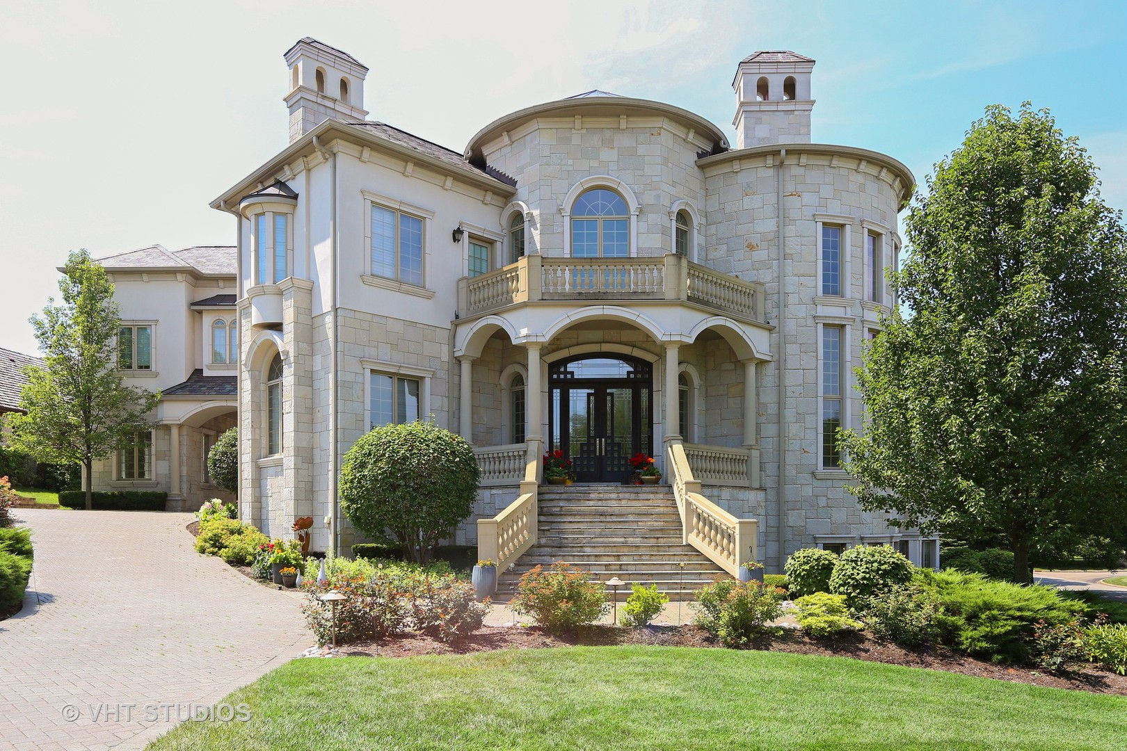 Oak Brook                                                                      , IL - $3,999,500