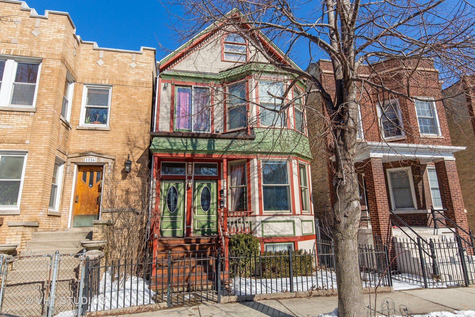 Property for sale at 1724 West Fletcher Street, CHICAGO,  Il 60657