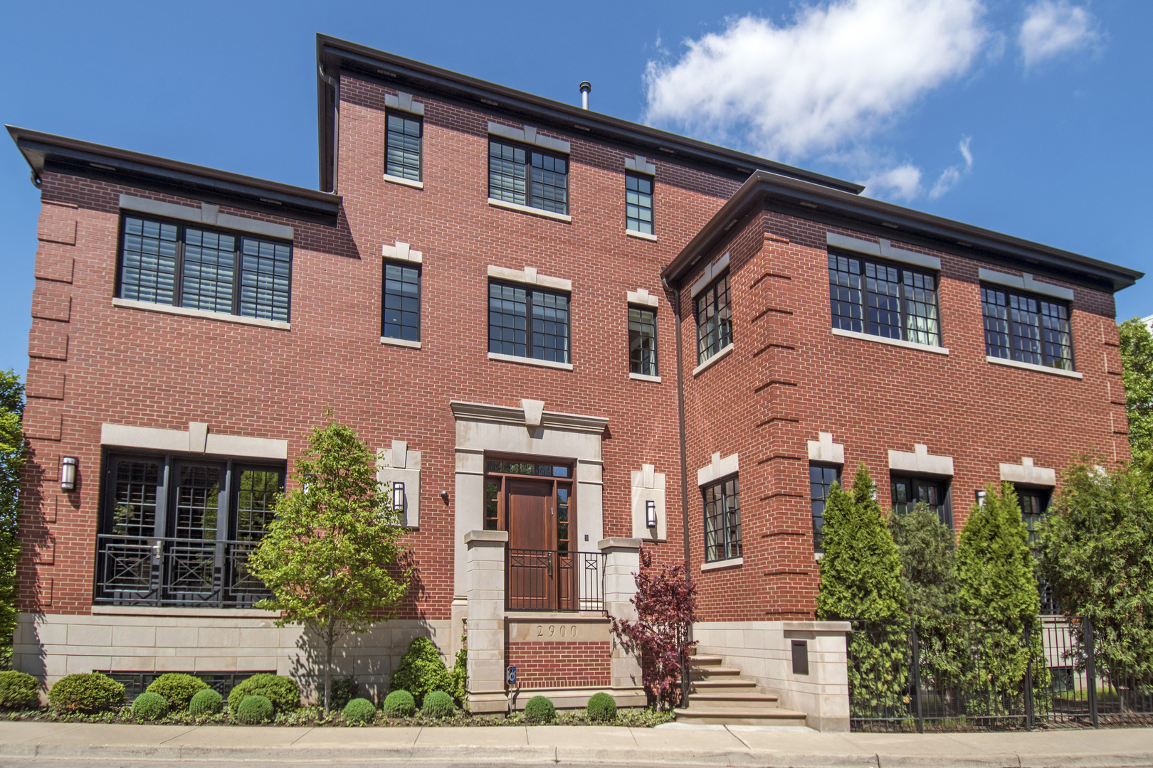 Property for sale at 2900 North Hermitage Avenue, CHICAGO,  Il 60657