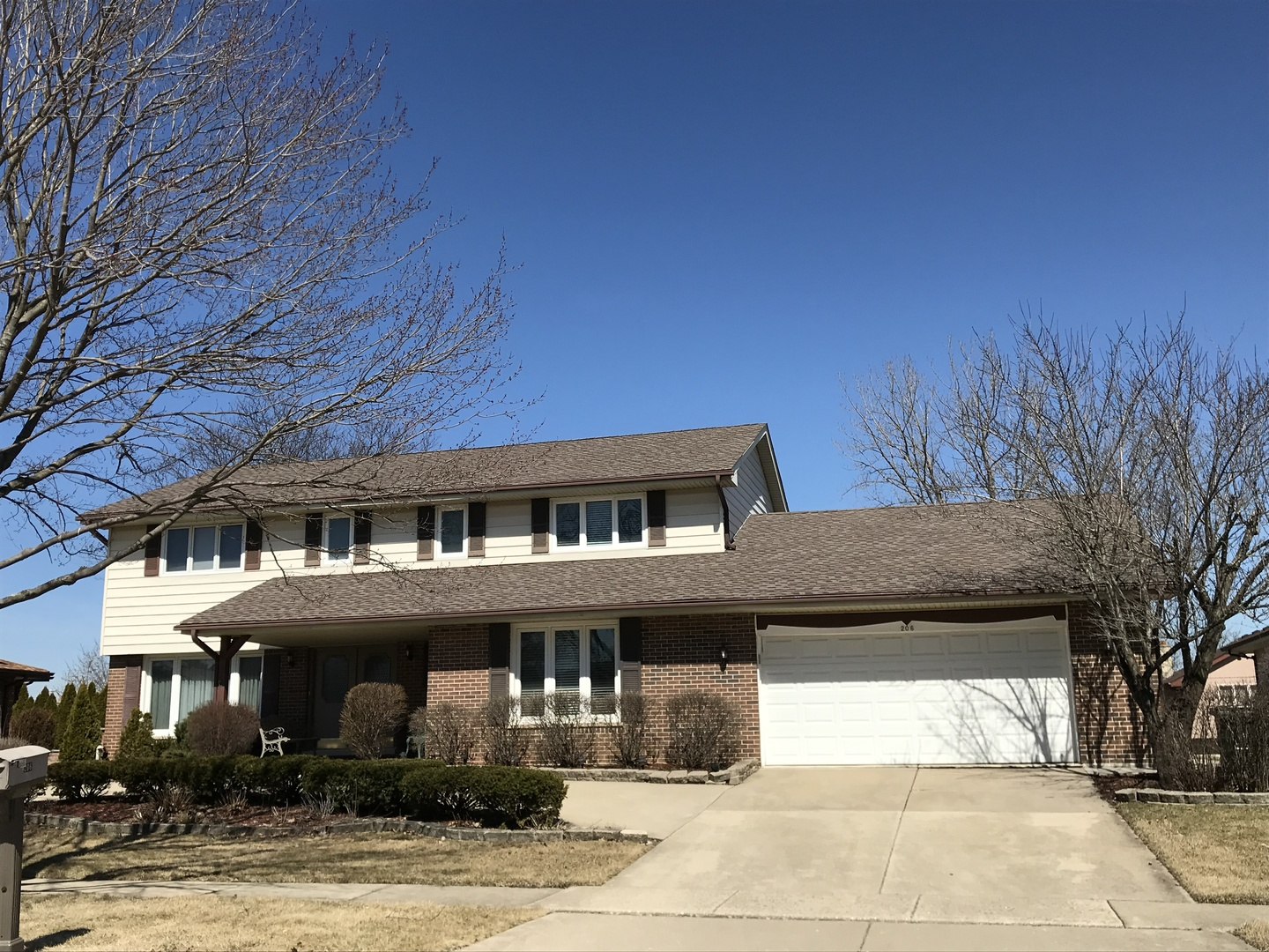 Property for sale at 206 Chaucer Court, WILLOWBROOK,  Il 60527