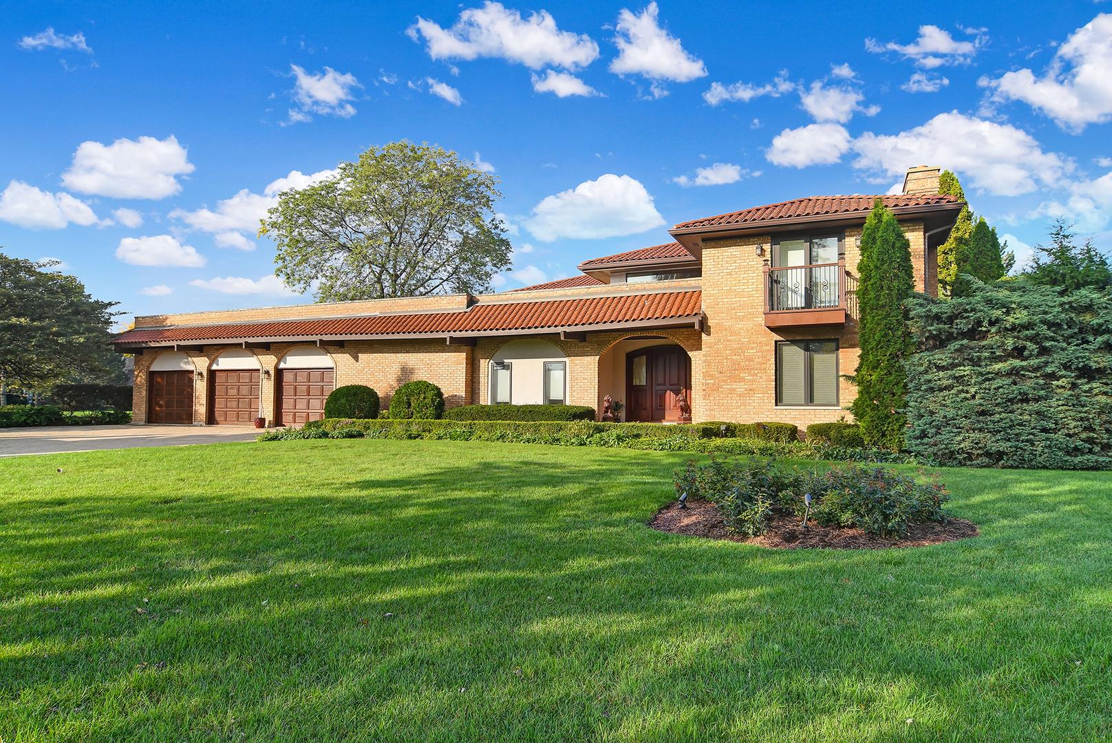 Oak Brook                                                                      , IL - $1,998,889
