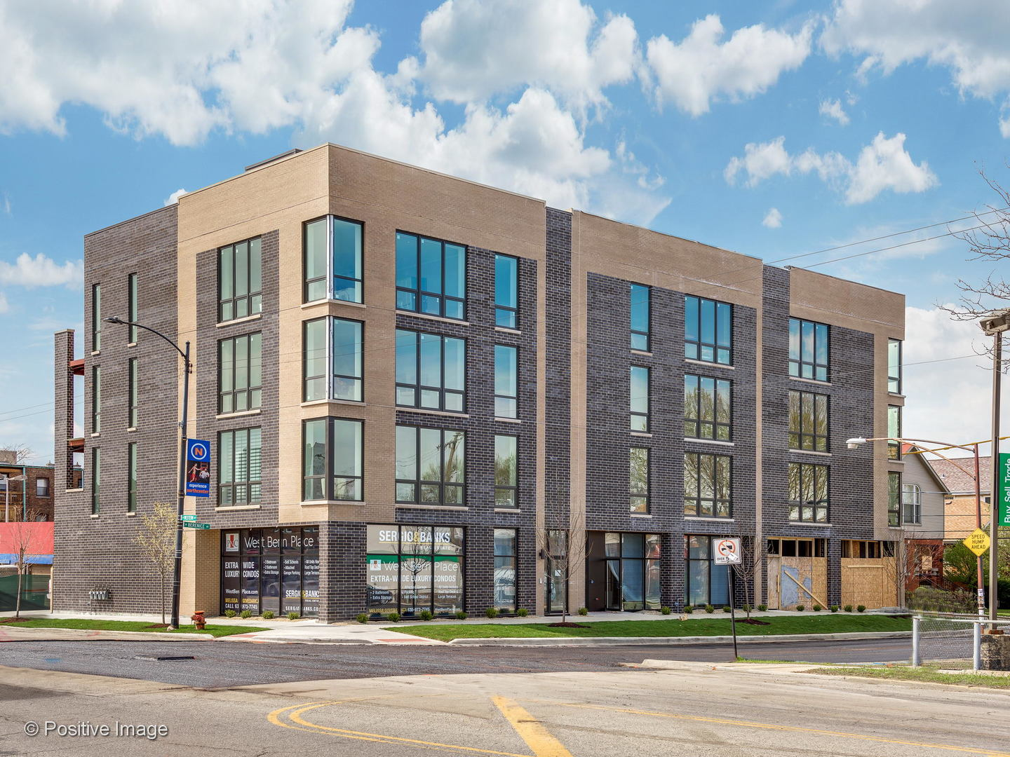 Property for sale at 2403 West Berenice Avenue Unit: 301, CHICAGO,  Il 60618