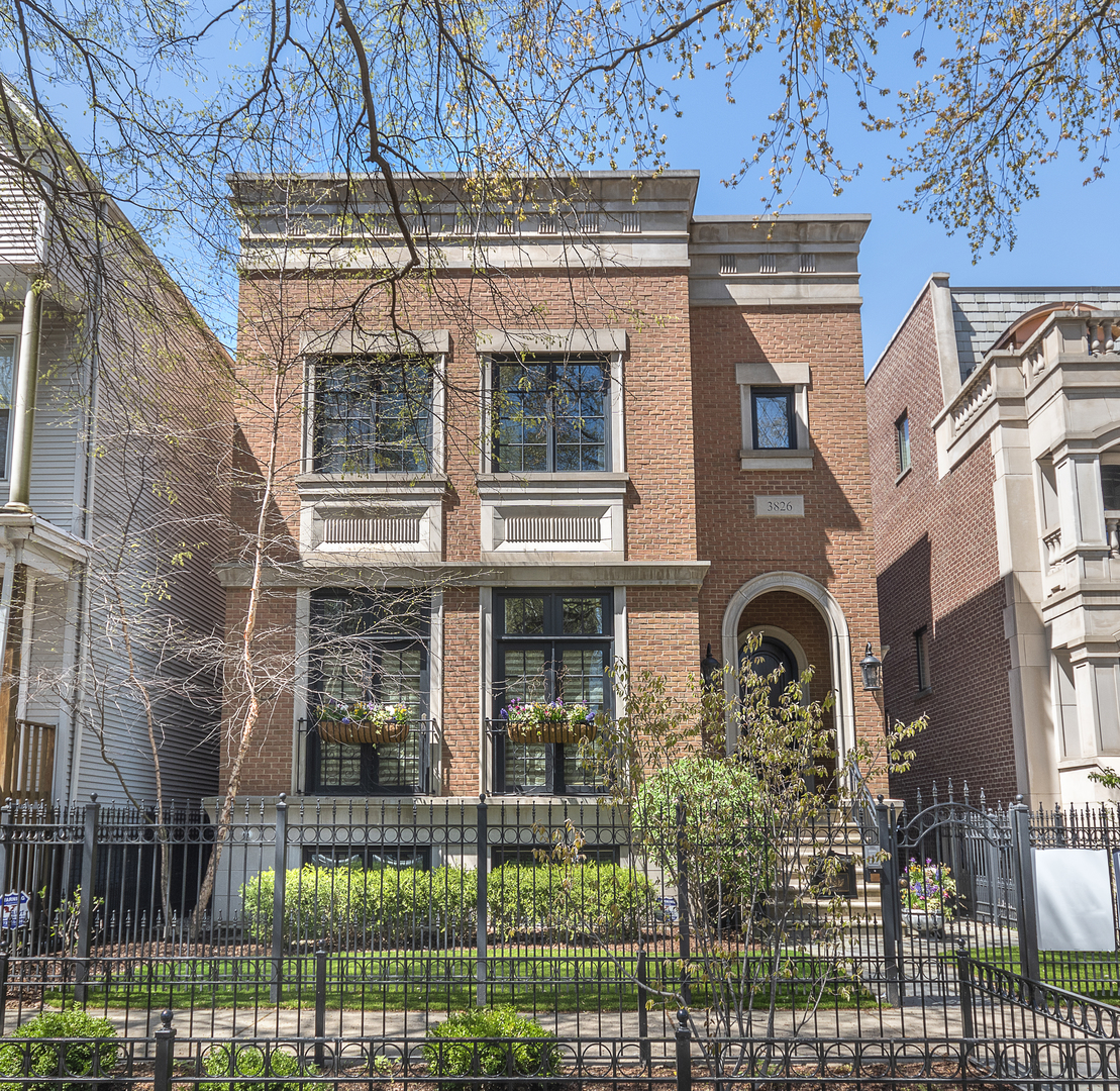 Property for sale at 3826 North Wayne Avenue, CHICAGO,  Il 60613