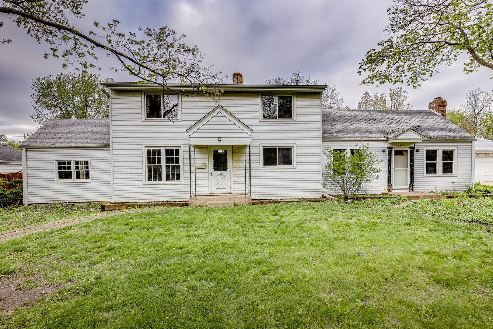 126X216 - MOTIVATED SELLER, SO MAKE AN OFFER!!. YOUR DREAM HOME ON OVER 1/2 ACRE, LARGE GRASSY LOTS IN LOMBARD. OR IF YOU PREFER - BUILD TWO! THE FRONTAGE ALLOWS 2 LOTS & YOU CAN STILL HAVE YOUR HOUSE SET BACK FROM THE STREET, LOT IS 216 FT. DEEP. EASY TO GET TO COMMUTER TRAIN & PARK, CLOSE TO DOWNTOWN LOMBARD WITH FOOD, DRINK, FESTIVALS & ACTIVITIES. CONVENIENT TO EXPRESSWAYS PLUS LOCATED IN A GREAT NEIGHBORHOOD WITH GREAT SCHOOLS NEARBY. ZONED RESIDENTIAL. CALL TODAY!