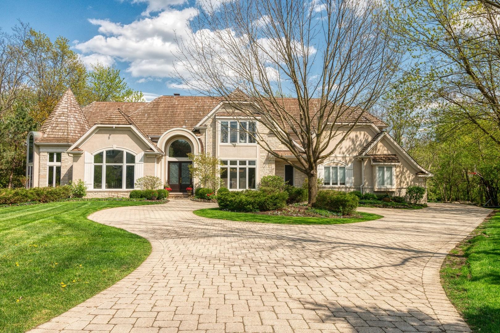 Oak Brook                                                                      , IL - $2,299,000