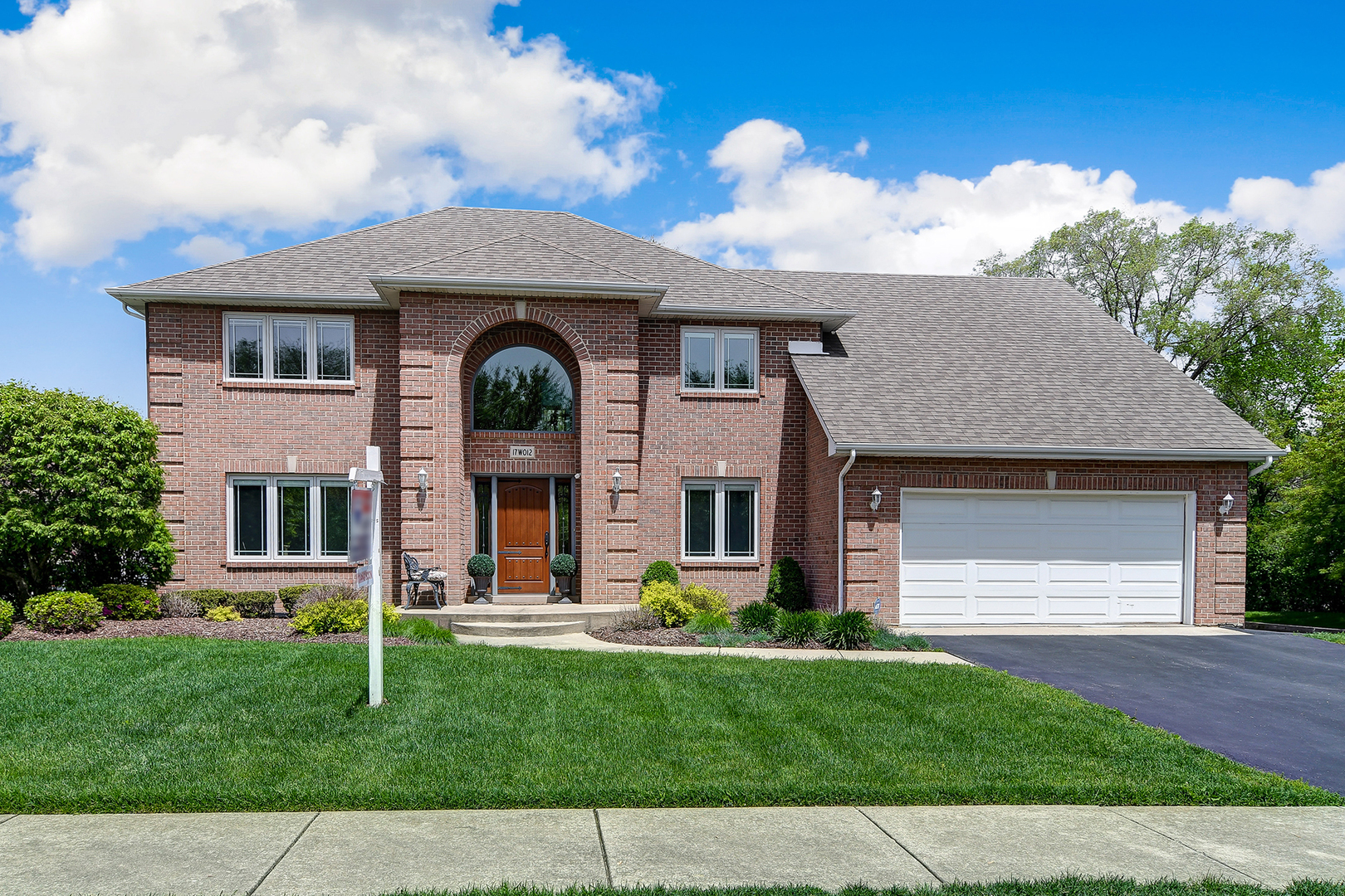 Property for sale at 17W012 Burr Oak Lane, WILLOWBROOK,  Il 60527