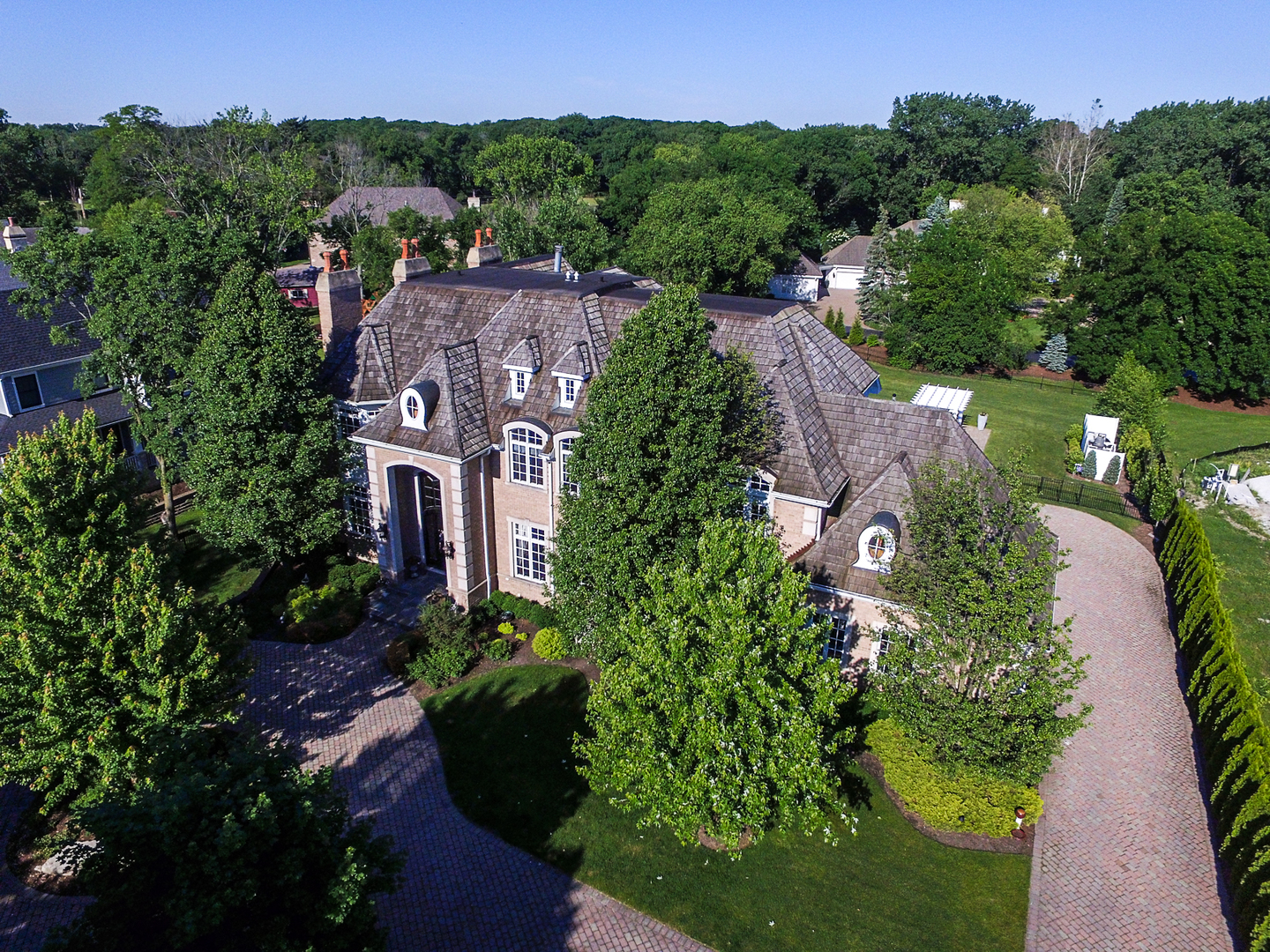 Oak Brook                                                                      , IL - $2,900,000