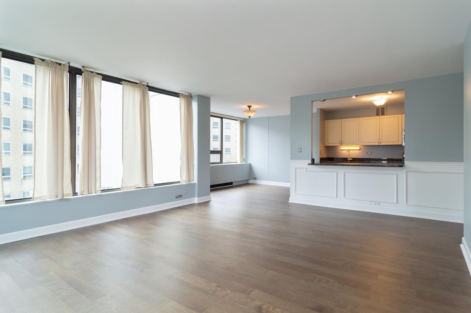 Hd 1561122884971 04 2800nlakeshoredr 817 93 livingroomdiningroom hires