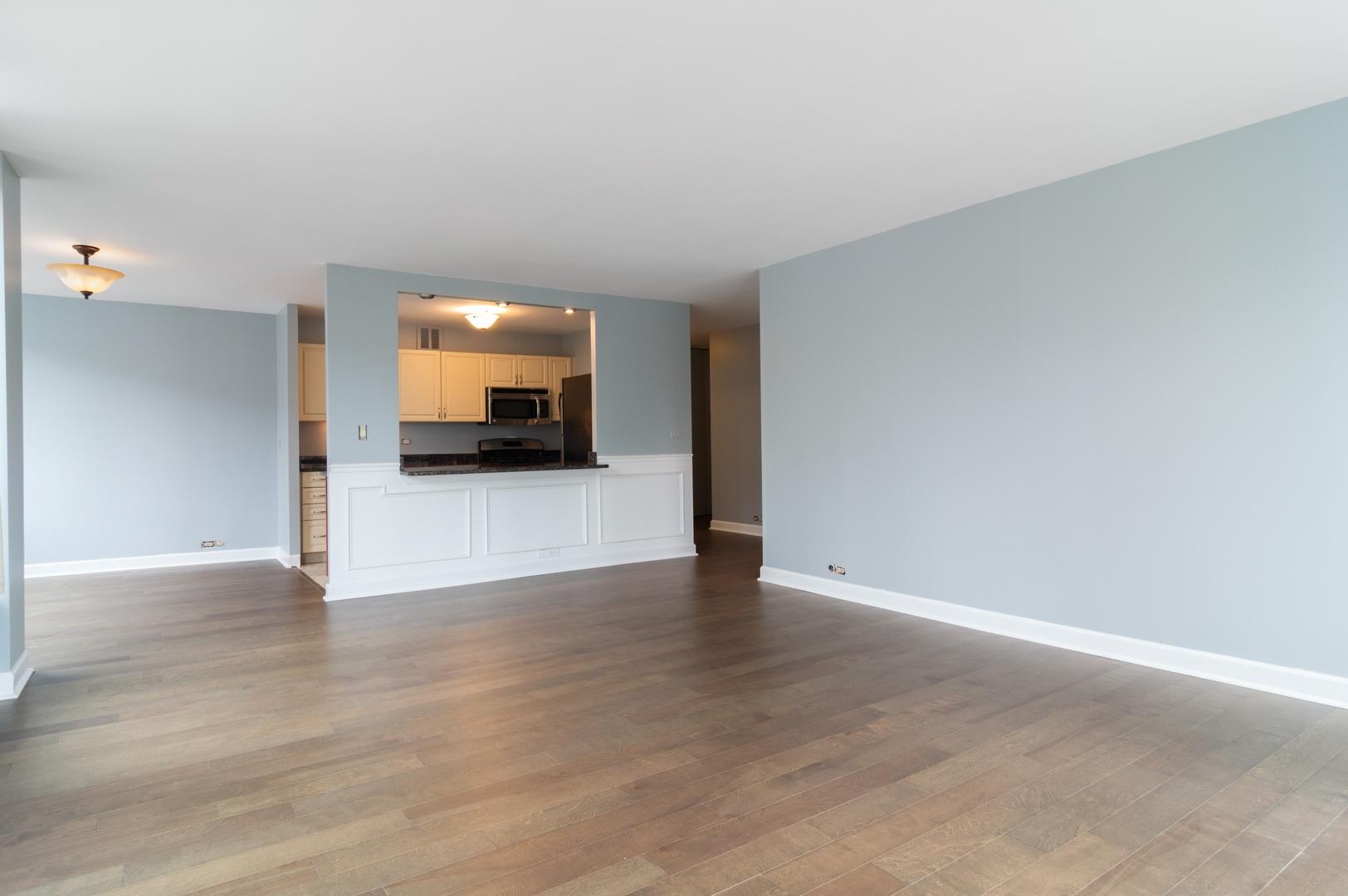 Hd 1561122886390 05 2800nlakeshoredr 817 93001 livingroomdiningroom hires