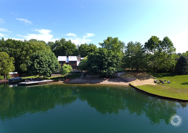 Morris                                                                      , IL - $1,247,000