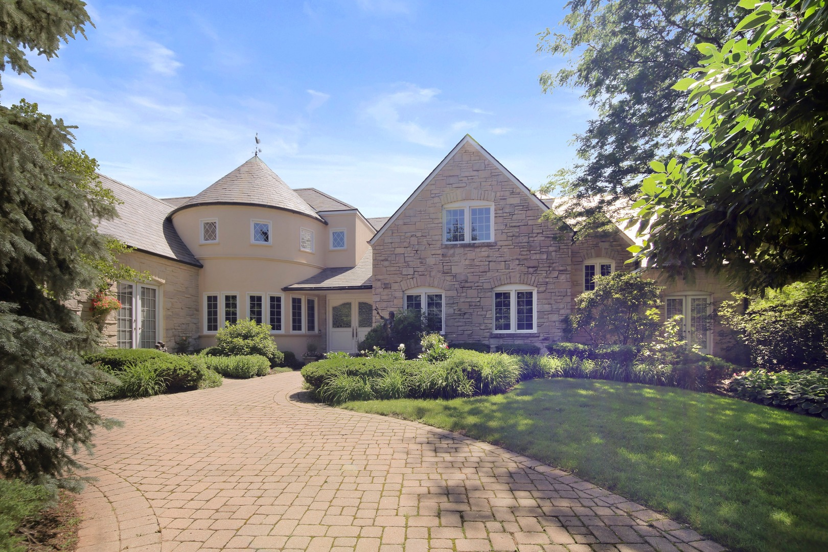 Oak Brook                                                                      , IL - $2,295,000
