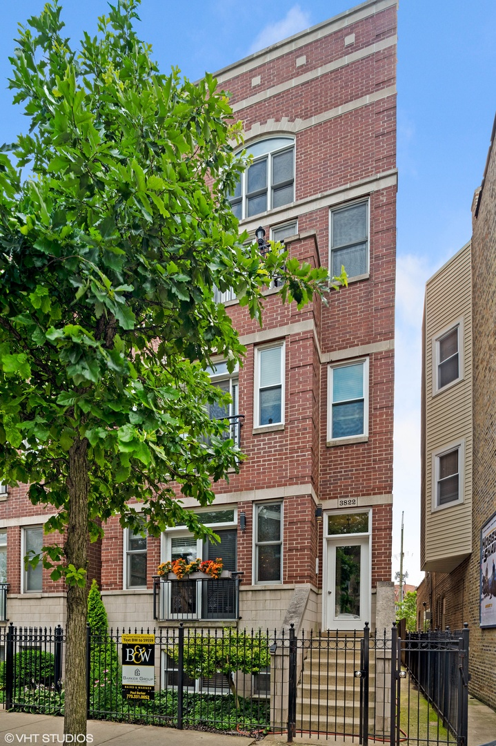Property for sale at 3822 North Clark Street Unit: 3, CHICAGO,  Il 60613
