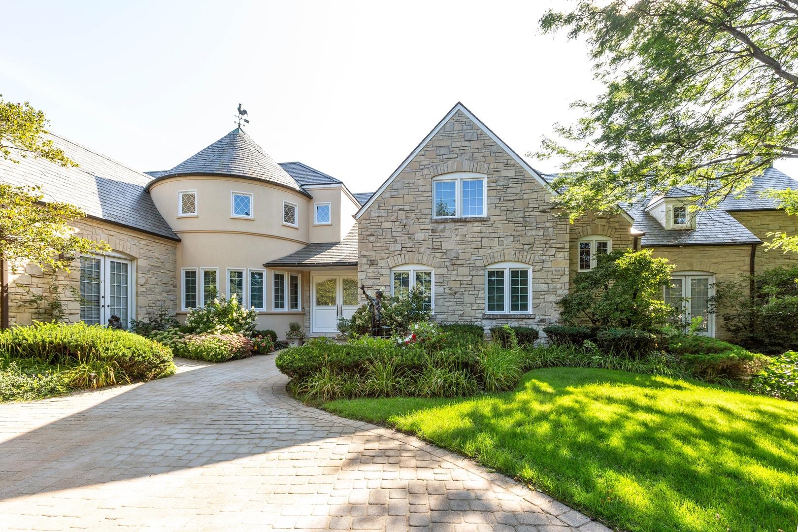 Oak Brook                                                                      , IL - $2,195,000