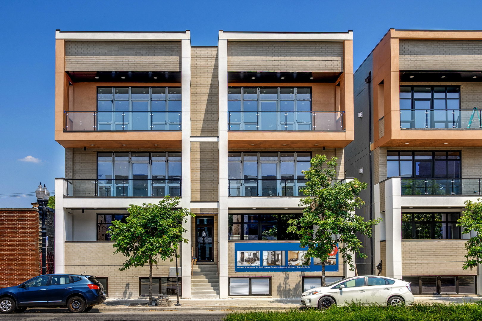 NORTH CENTER NEW CONSTRUCTION CONDOS BY AWARD WINNING RD PRECISION IS JUST A FEW STEPS AWAY FROM REV