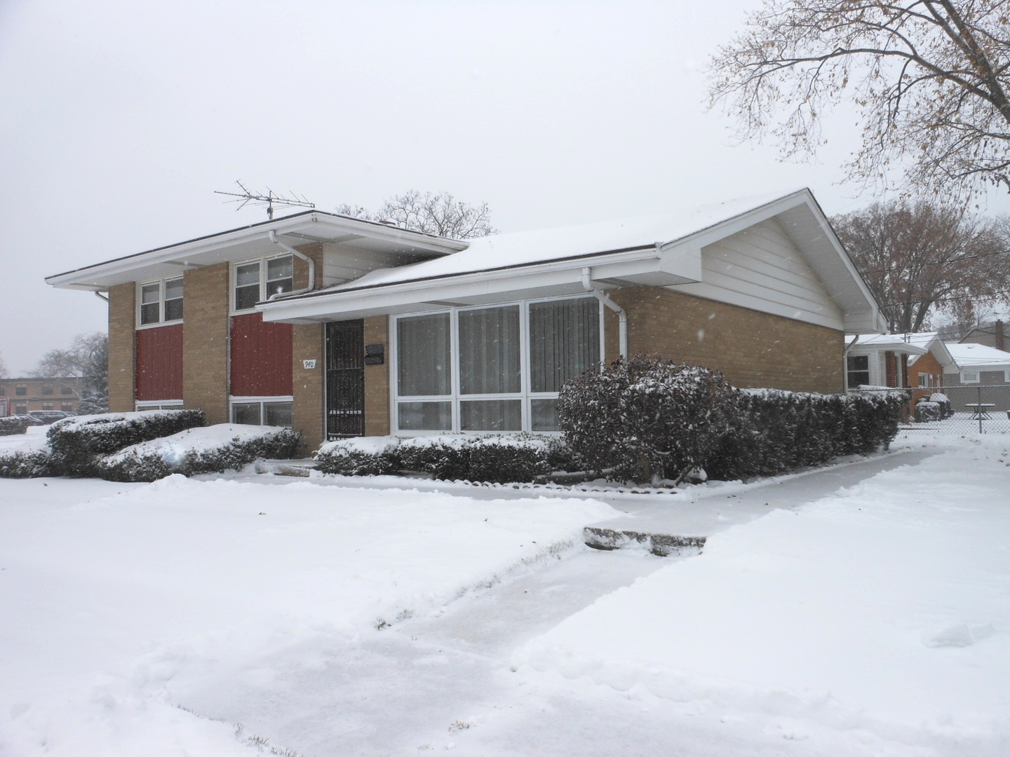 "Make this your home for the holidays!  Spacious brick Split Level in south Villa Park offers vaulted ceiling in Living & Dining Rooms w/newer (10/2019) carpet, eat-in Kitchen w/appliances, all 3 bedrooms w/hardwood floors, 2 baths, lower level Family Rm, newer furnace/central air (2017), Hot water heater (11/2019), sump pump (2019), windows replaced in Bedrooms, Kitchen & Dining Rm, detached 2 car garage.  Walk to Jr. high & high schools.  A great place to call home!   Solid house in good condition - but selling in ""as-is"" condition."