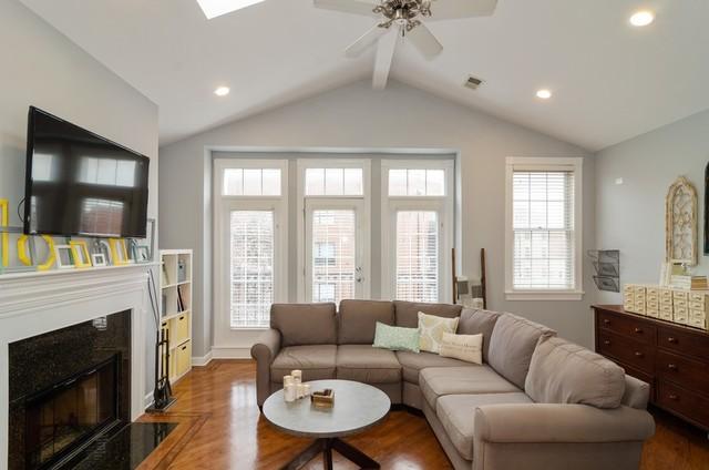 P 1575919283741 3044 oakley living room straight on