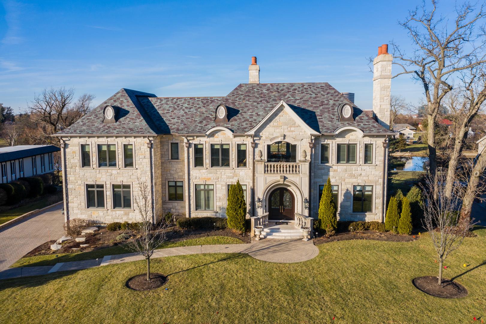 Oak Brook                                                                      , IL - $3,999,000