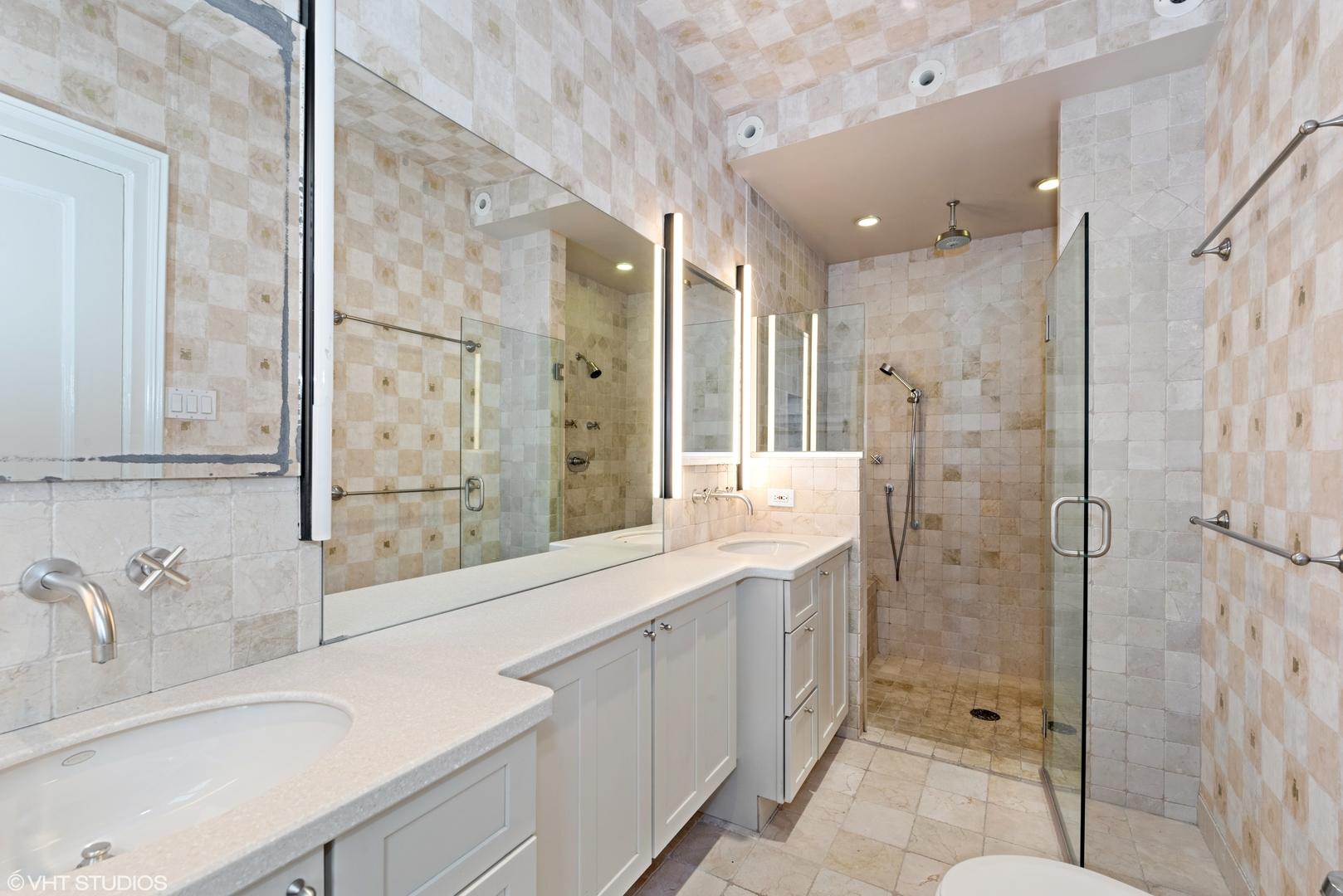 Hd 1579211452083 08 3730nlakeshoredr unit2b 13 masterbathroom hires
