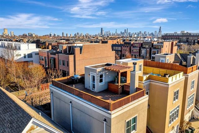 P 1582071969081 02 rooftop deck