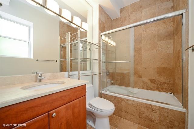 P 1582662819996 08 2547nclark 1n 13 masterbathroom lowres