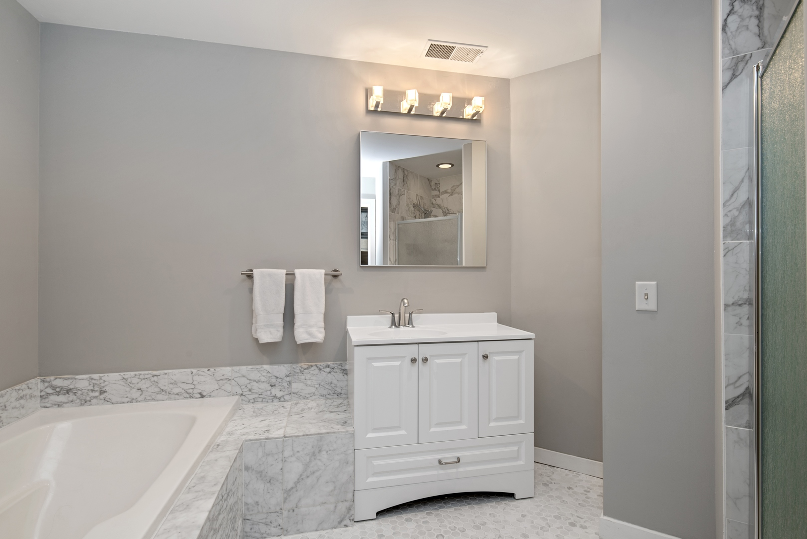 Hd 1582735759266 12 2100nracine1c 13 masterbathroom hires