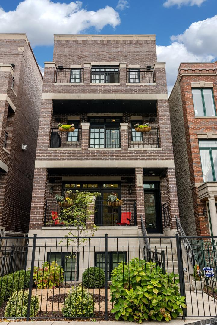 2729 Southport Avenue, Chicago, Illinois 60614, 2 Bedrooms Bedrooms, ,2 BathroomsBathrooms,Residential Rental,For Rent,Southport,10910120