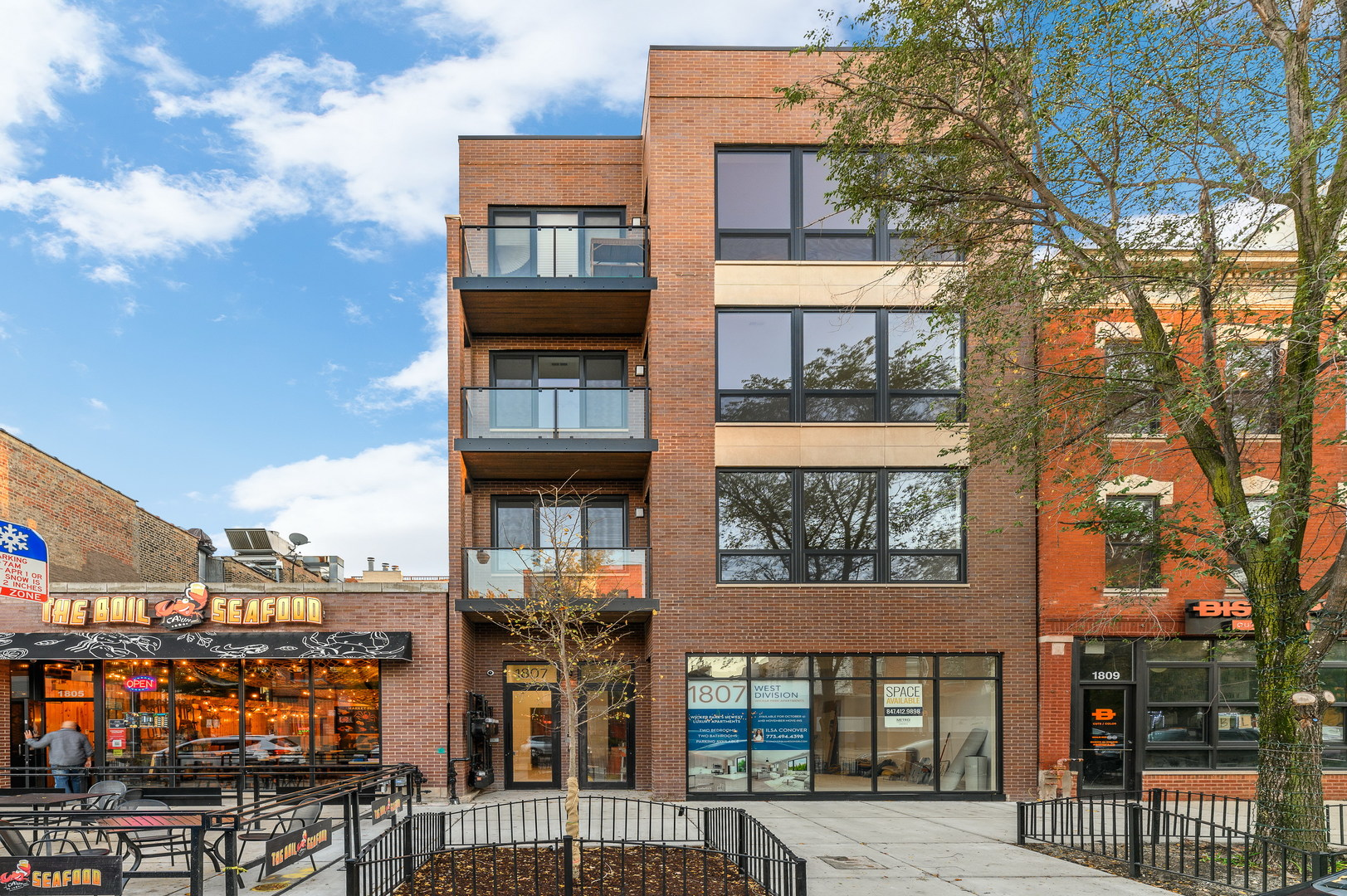 1807 Division Street, Chicago, Illinois 60647, 2 Bedrooms Bedrooms, ,2 BathroomsBathrooms,Residential Rental,For Rent,Division,10910087