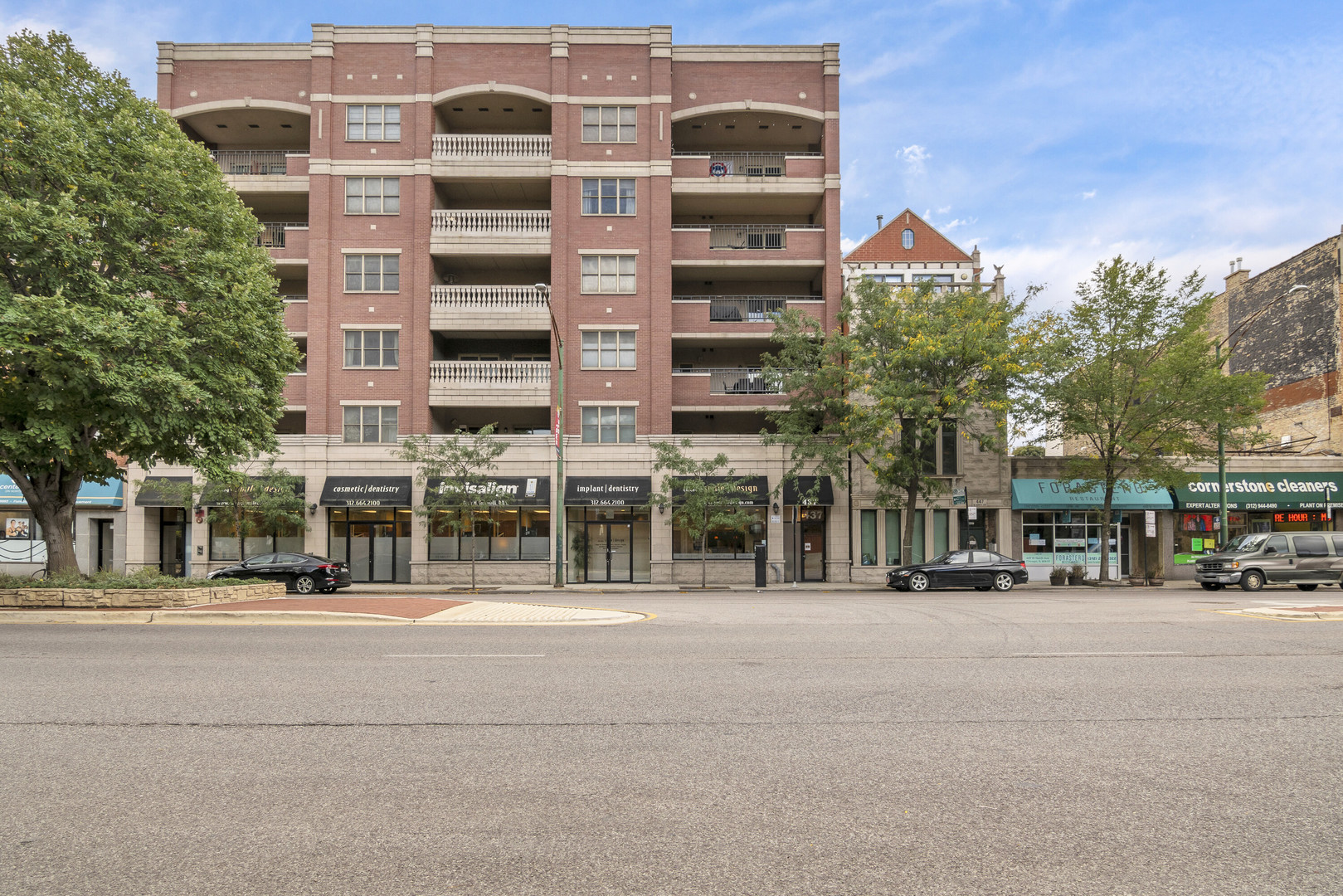 437 North Avenue, Chicago, Illinois 60610, 3 Bedrooms Bedrooms, ,2 BathroomsBathrooms,Attached Single,For Sale,North,10909996