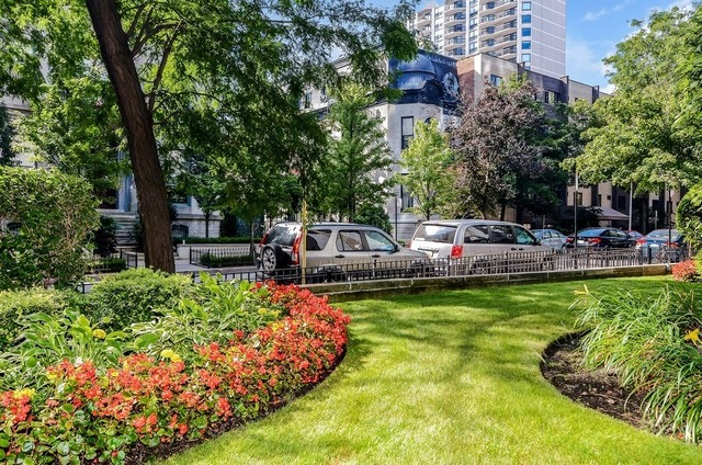 2700 HAMPDEN Court, Chicago, Illinois 60614, 1 Bedroom Bedrooms, ,1 BathroomBathrooms,Attached Single,For Sale,HAMPDEN,10958003