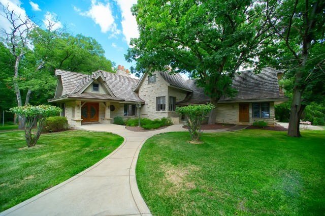 Oak Brook                                                                      , IL - $4,999,000