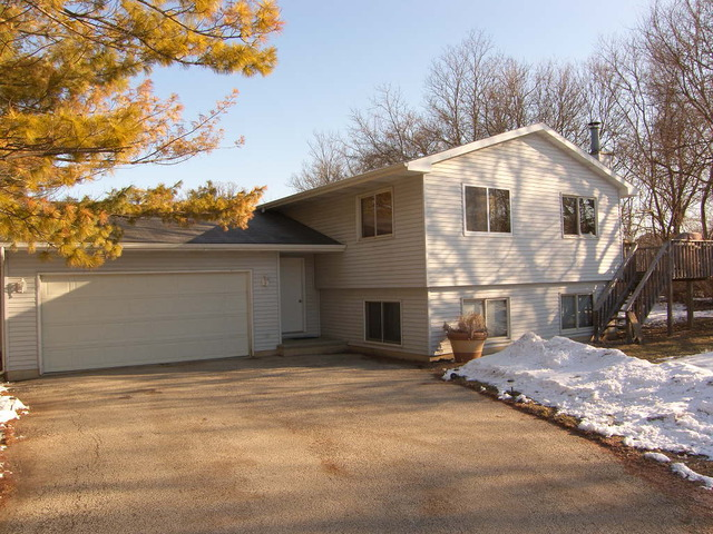 Property for sale at 28903 South Drive, Mchenry,  Il 60051