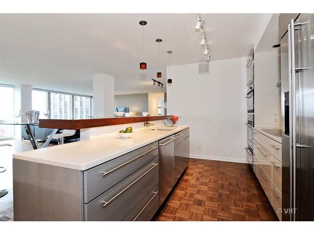 2400 N Lakeview Floor Plans: 2400 N Lakeview Avenue, #1602, Chicago, 60614