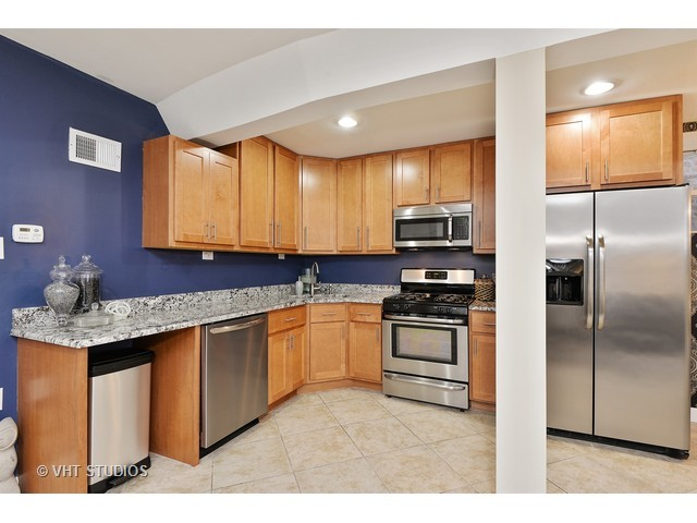 3249 West Hirsch Street, #101, Chicago, IL 60651