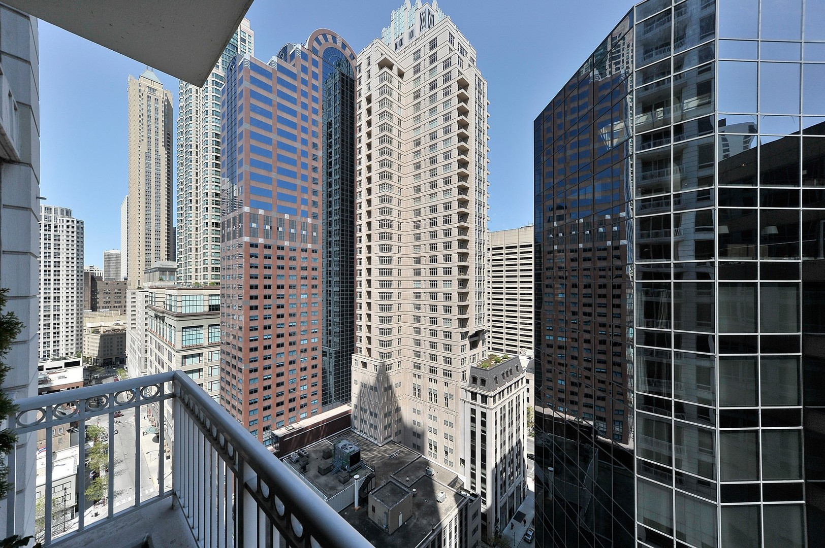 Erie Family Health Center in Chicago, IL - WebMD