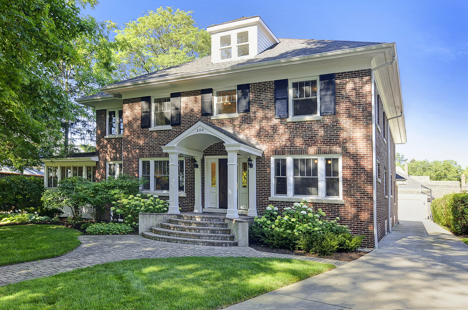 220 North Lincoln Street, Hinsdale, IL - USA (photo 2)