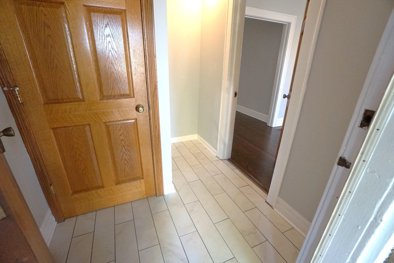 4344 north marmora avenue chicago il 60634 jproctor for Kitchen cabinets 01089