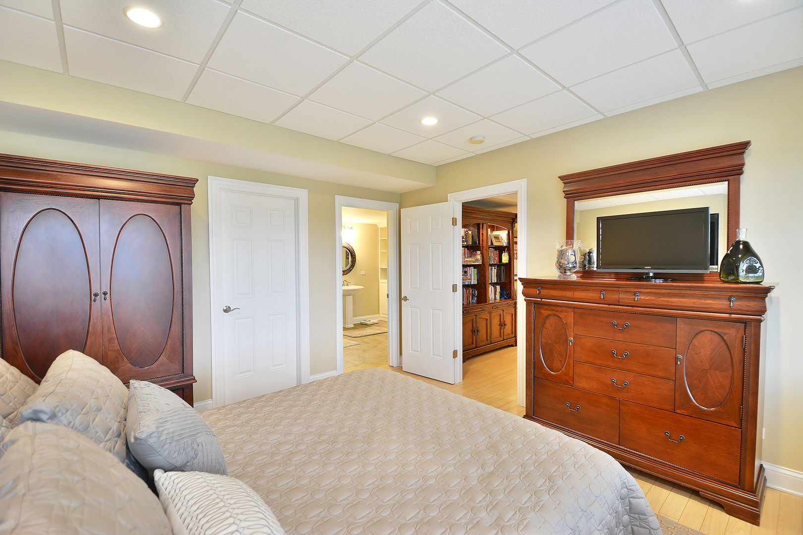 83 Tournament Drive North, Hawthorn Woods, IL, 60047 | Prime Real ...