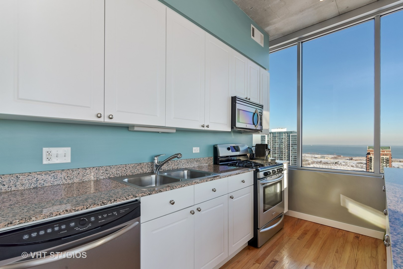 1720 South Michigan Avenue, #2708, Chicago, IL, 60616 | The Lowe Group