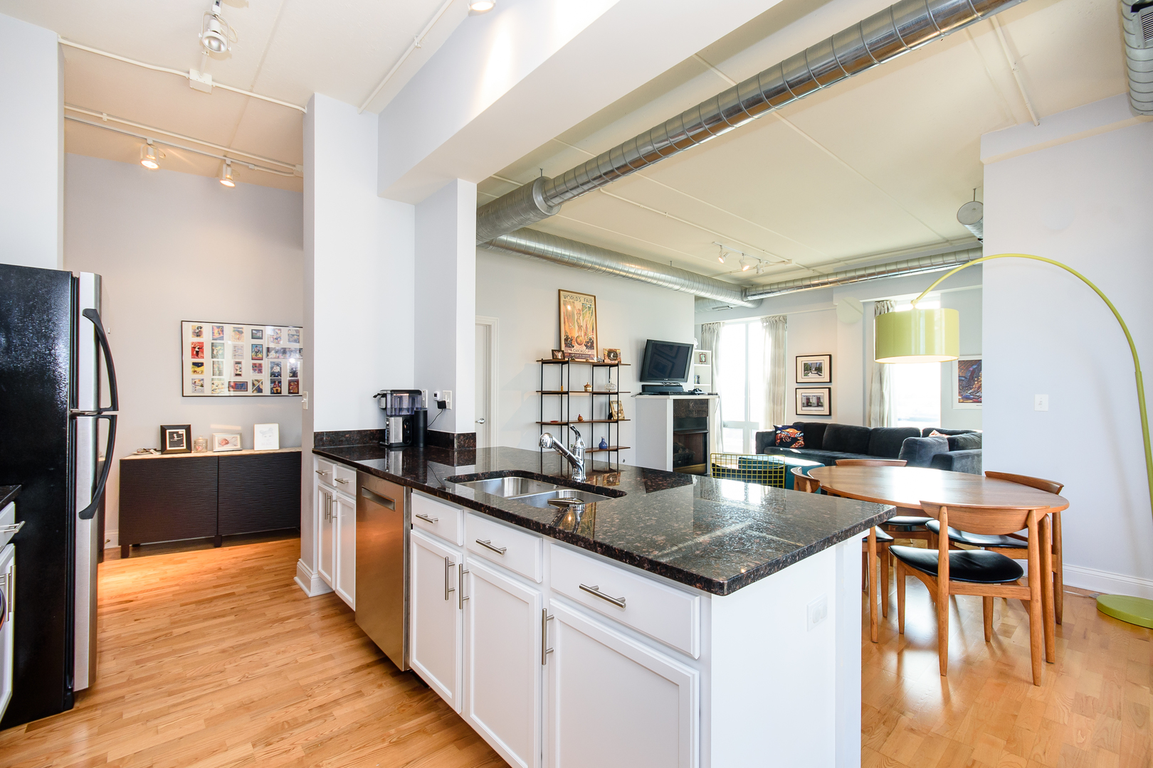 4814 North Clark Street, #409S, Chicago, IL, 60640   The Lowe Group