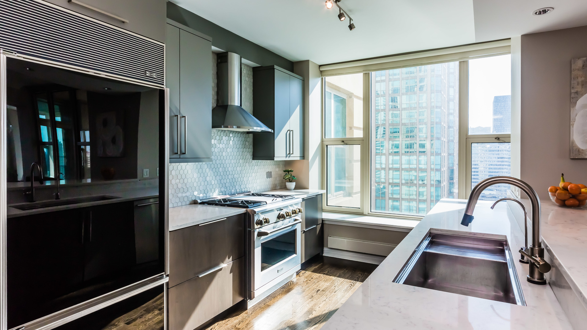 25 East Superior Street, #3401, Chicago, IL, 60611 | The Lowe Group