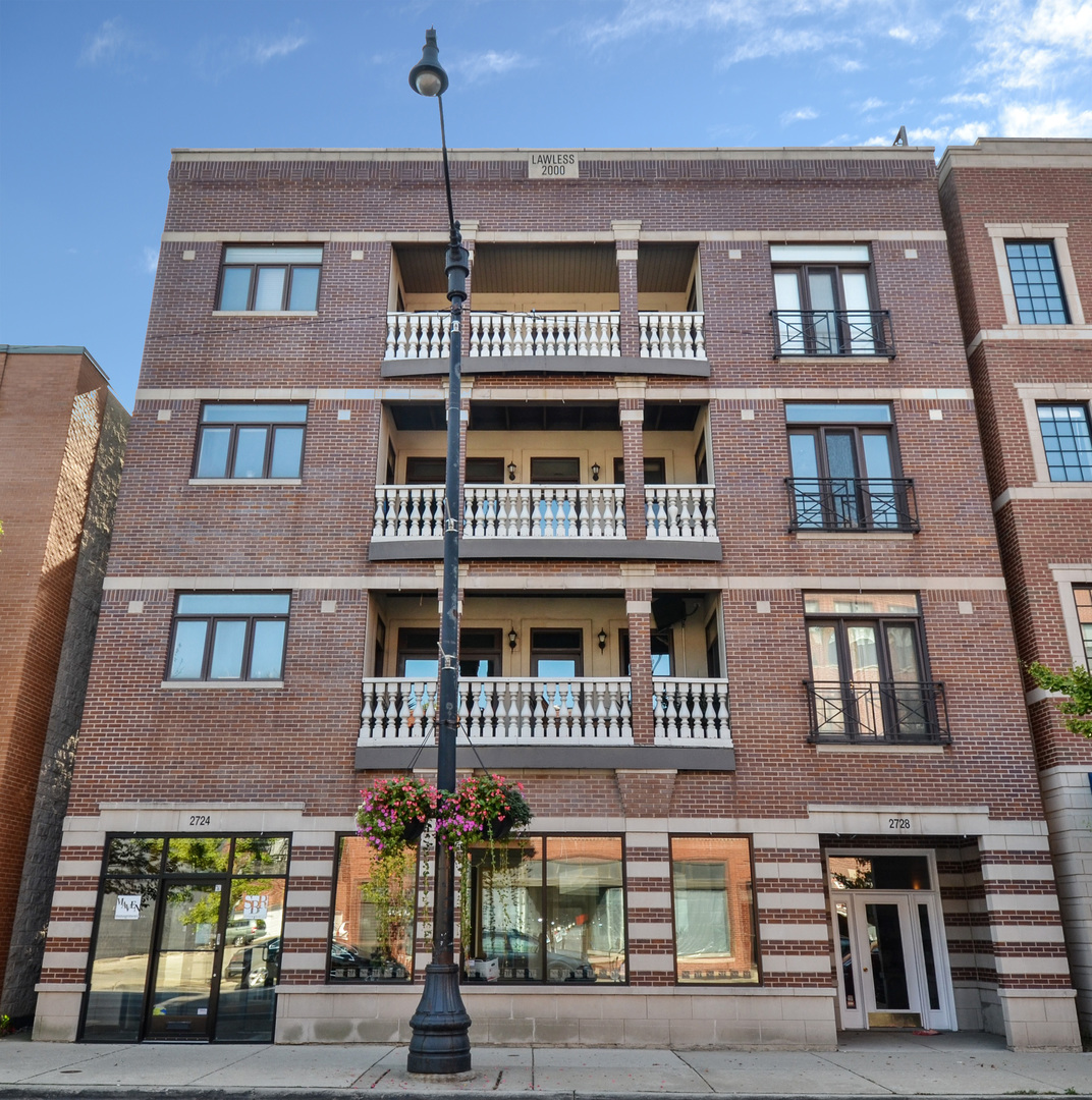 2728 North Lincoln Avenue, #2W, Chicago, IL 60614