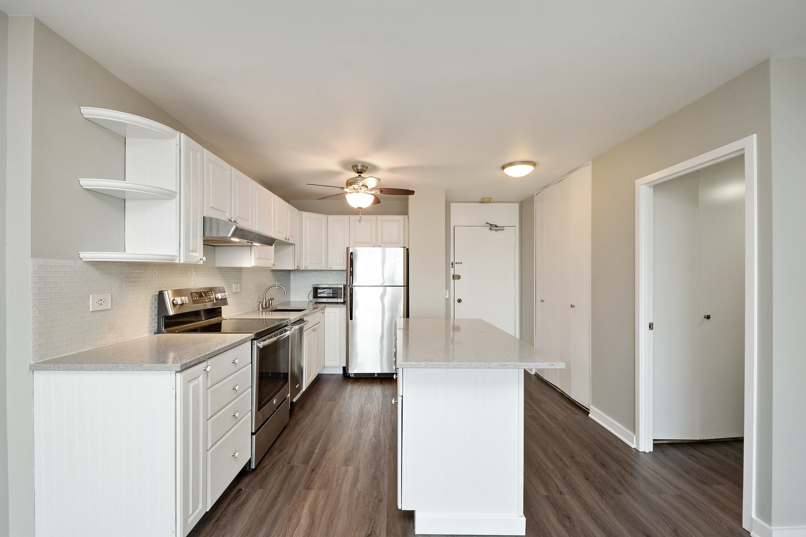 1560 North Sandburg Terrace, #3307, Chicago, IL, 60610 | The Lowe Group