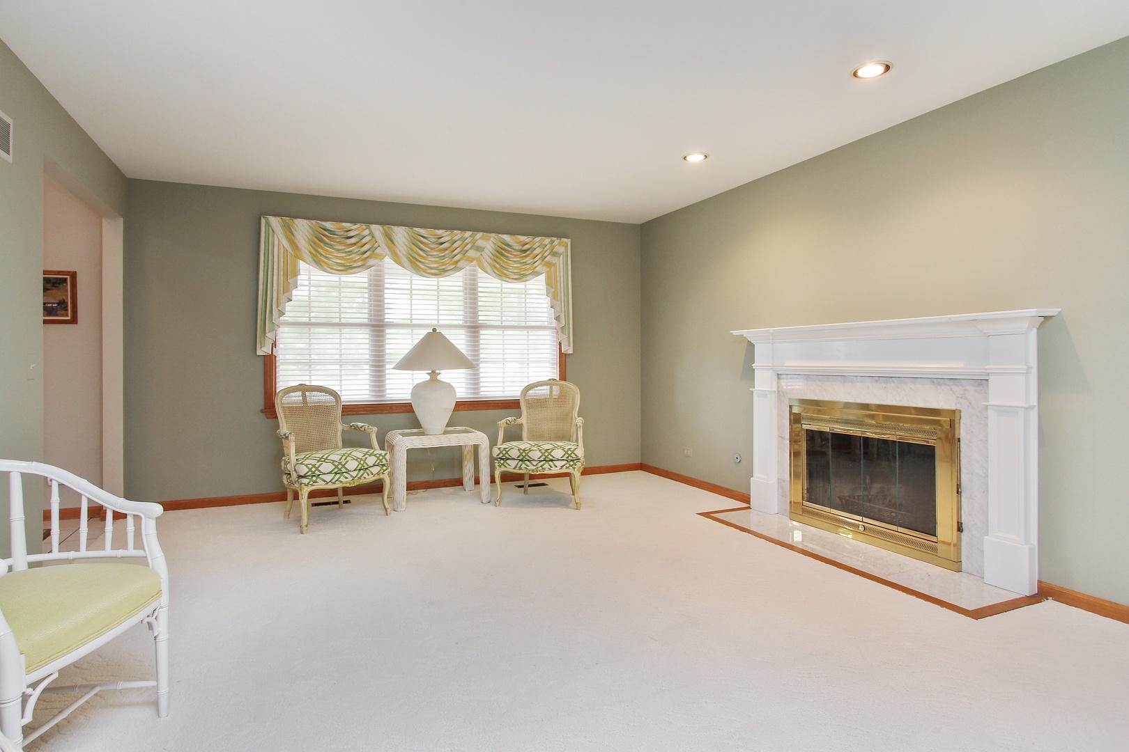 14 Lancelot Lane, Hawthorn Woods, IL, 60047 | Prime Real Estate ...