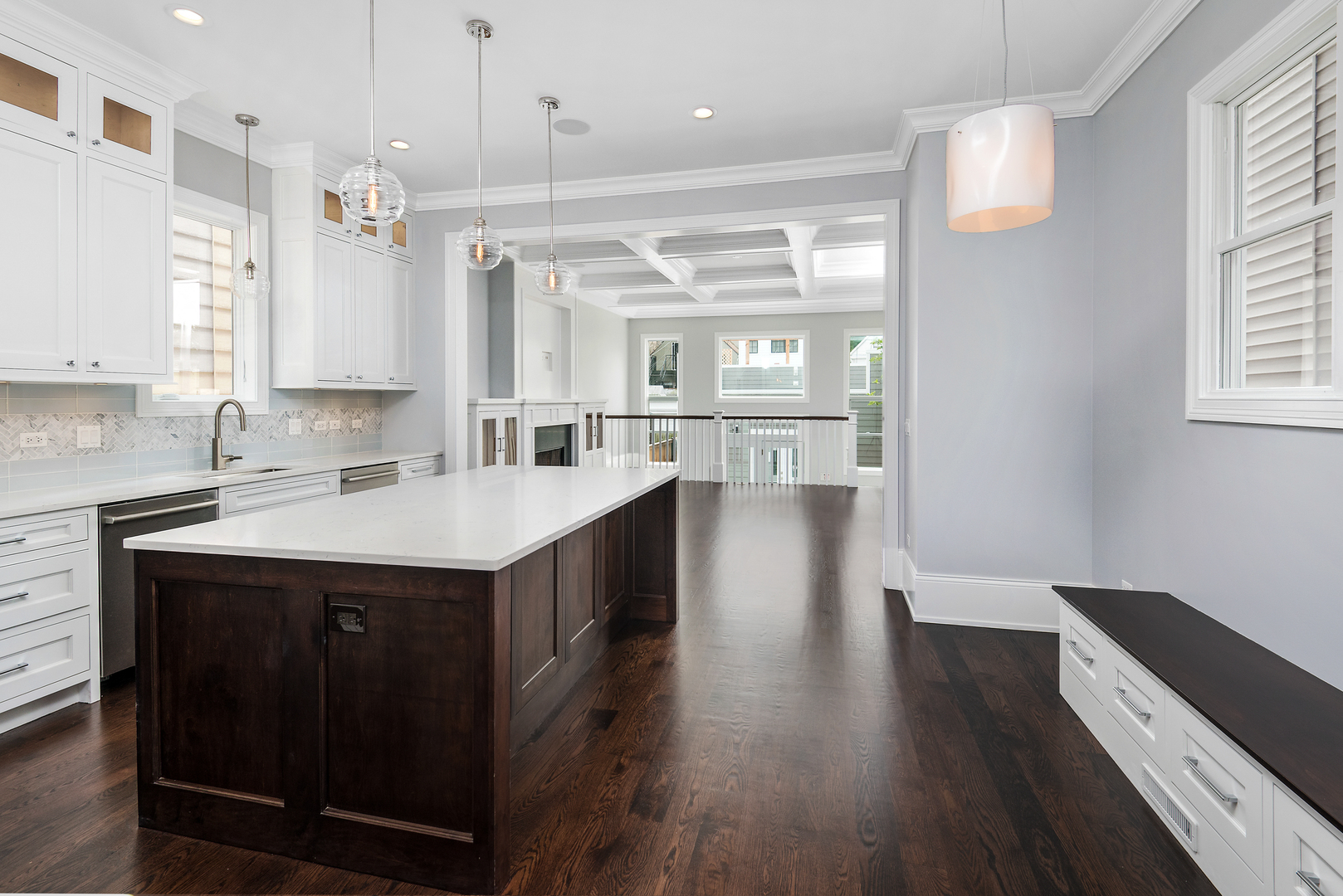 1242 West Grace Street, #1, Chicago, IL, 60613 | The Lowe Group