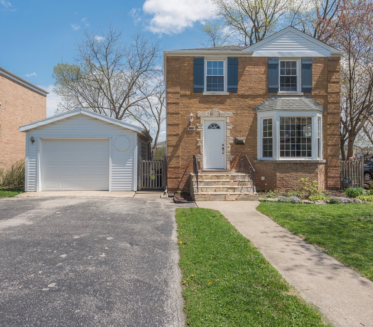 439 N Princeton Ave, Villa Park, IL 60181