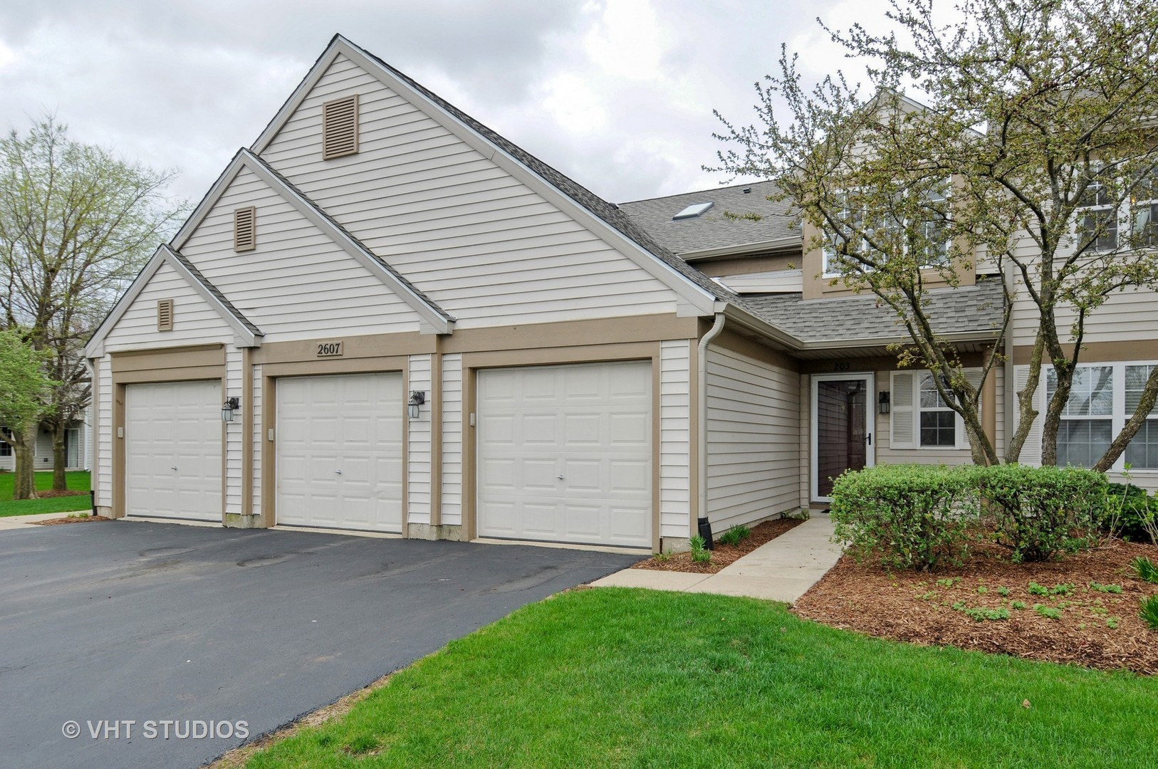 ... 2607 Sheehan Court, #203, Naperville, IL 60564 ...