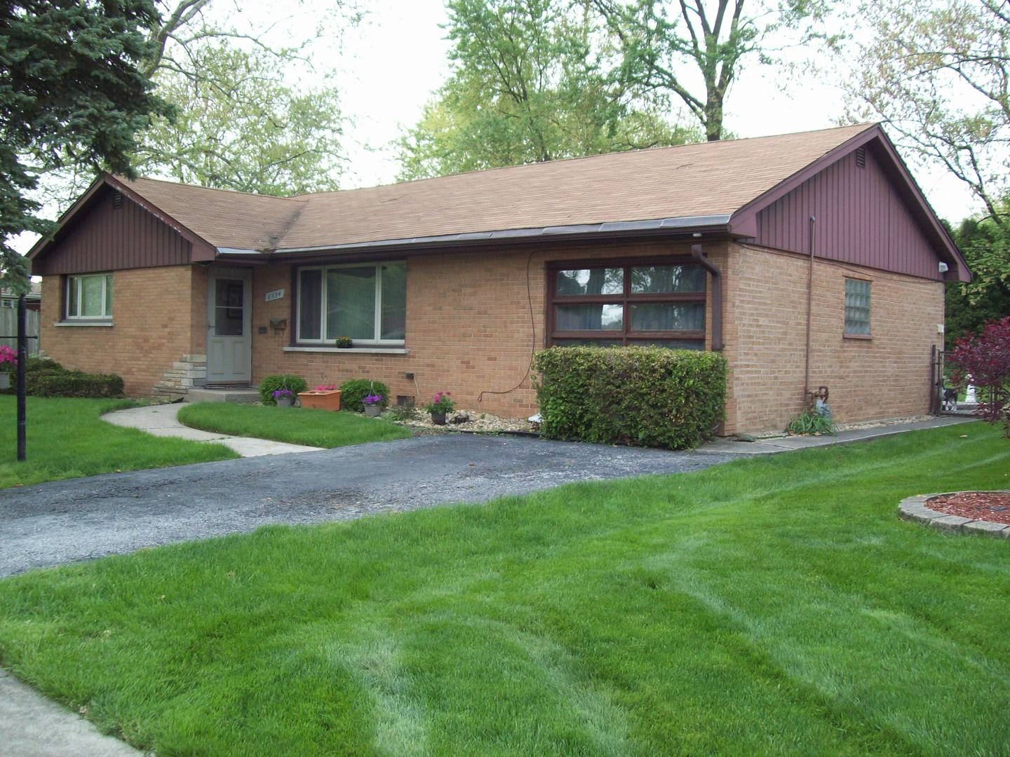 ... 6934 West 115th Place, Worth, IL 60482 ...