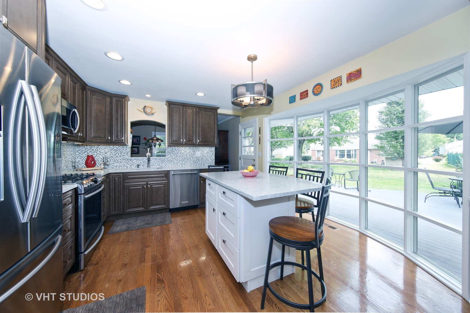 307 West Victoria Lane, Arlington Heights, IL 60005 | JProctor Real ...