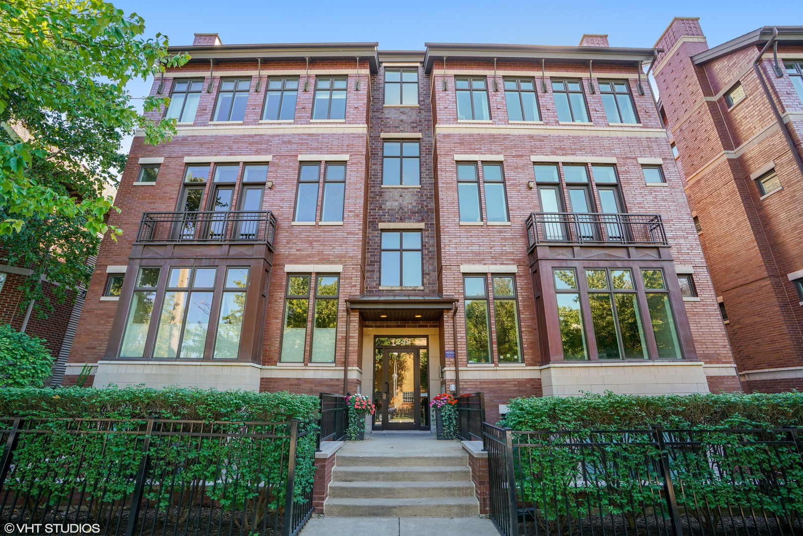 1249 West Melrose Street, #3E, Chicago, IL 60657
