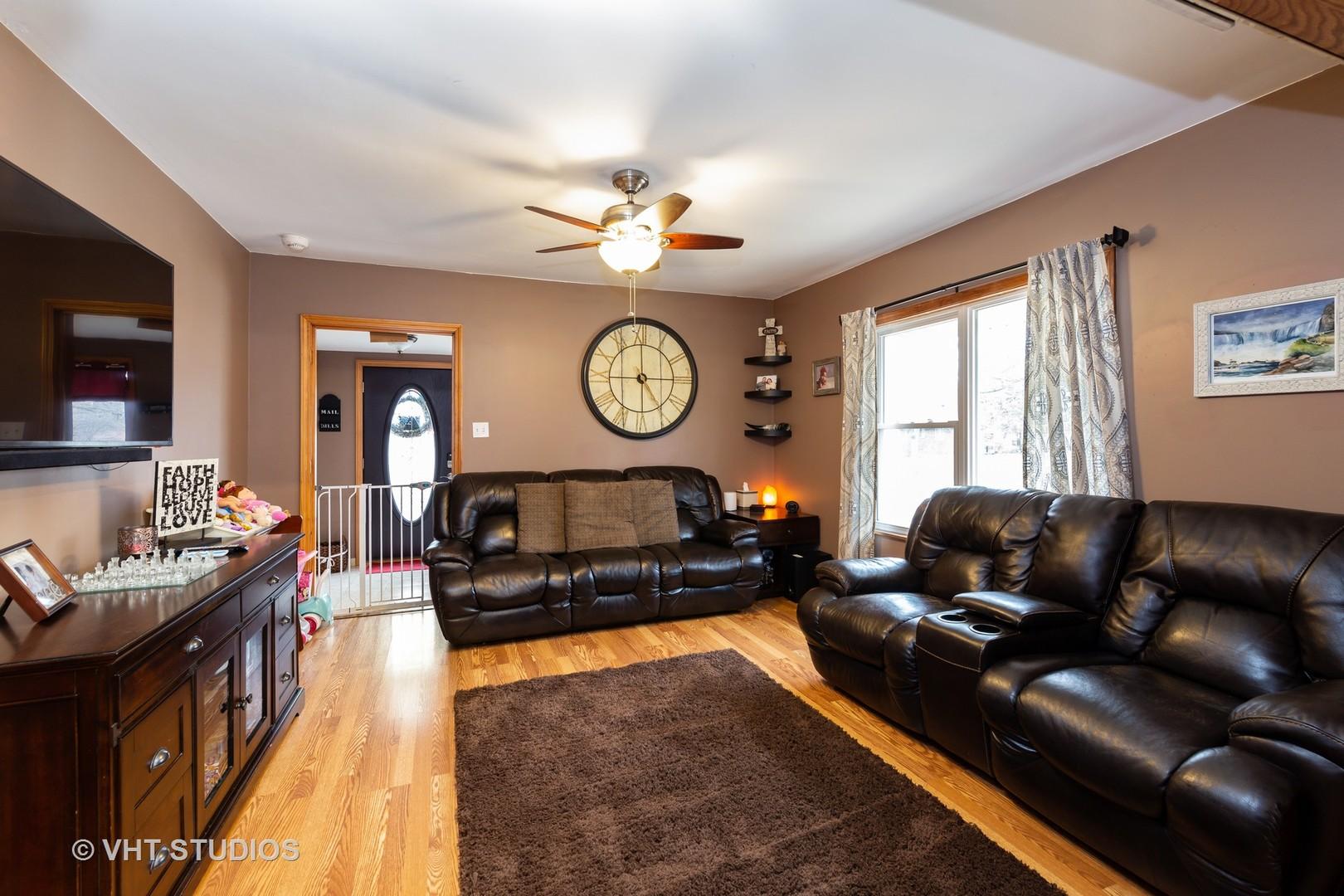 300 N PRINCETON Ave, Villa Park, IL 60181
